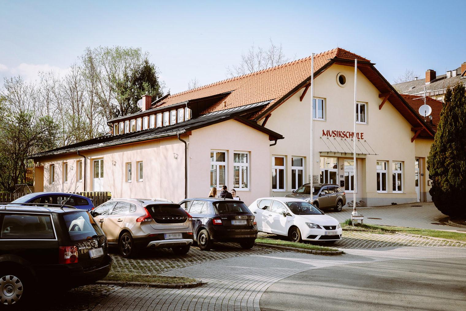 Außenaufnahme der Musikschule in St. Michael in der Obersteiermark